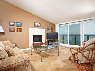 Ocean Front top floor condo in Seascape Sur complex