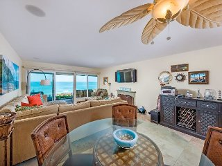 TIME FOR A TRIP TO THE BEACH! Fabulous 2BR Oceanfront Condo (CHAT4)