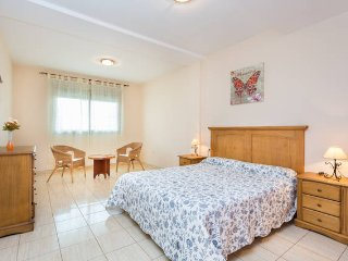 spacious and comfortable 3 bedrooms apartment