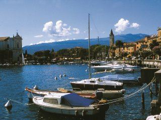 villetta indipendente con due appartamenti, Toscolano-Maderno