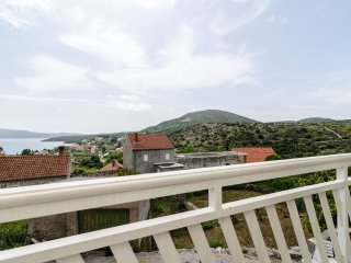 Apartments Katarina - Two-Bedroom Apartment with Balcony and Sea View