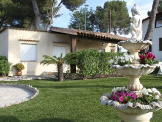 Maison 40 m2 quartier résidentiel, Niza