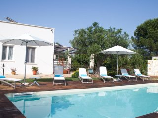 Dimora Lamioni – 4 bedroom holiday home with swimming pool and garden