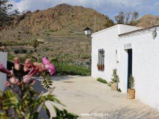 Los Ortices, Casa Baja