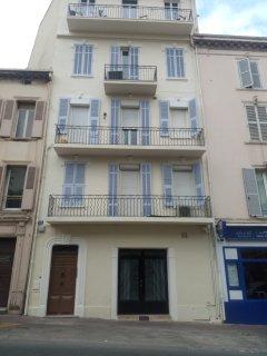 Building Exterior, 81 Clémenceau street