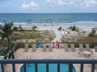 Unit 5- Beautiful 3rd floor oceanfront condo
