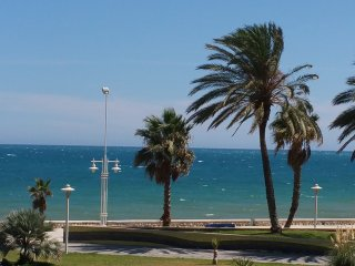 Beachfront 4 bedrooms apartment free WIFI free parking (VFT/MA/02679)