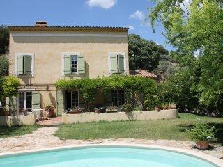 Villa piscine 8p 20km AixEnProvence, Rognes