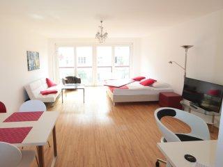 Puzzle Apartment UNO City 2206, Viena