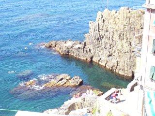 CINQUE TERRE-RIOMAGGIORE-NEAR THE SEA