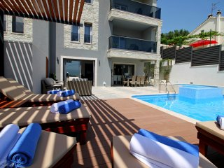 NEW!! LUXURY VILLA BANE + pool, whirlpool, gym, Omis