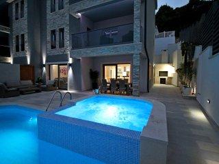NEW!! LUXURY VILLA BANE + pool, whirlpool, gym, Omis