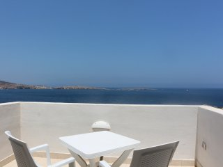 Seafront Duplex Seaview Penthouse, Bugibba