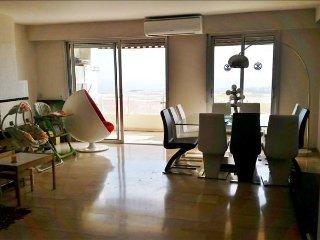 Nice Luxury & quiet top floor sea view pool sauna