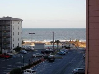 2 Bedroom Beach Condo - Myrtle Beach