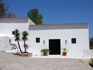 Roca Llisa ibicenca renovated house, 6-7 sleeps