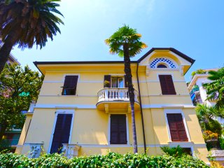 Magnolia - central with parking, Rapallo