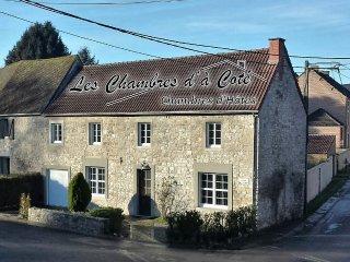 """Les Chambres d'à Côté """"Chambre Le Voyage"""", Mettet"""