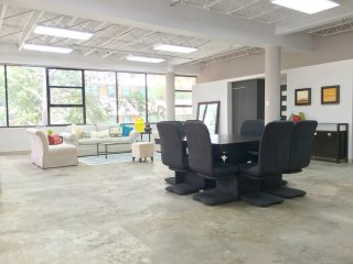 6BD 3BH 4,000sqft - Arts District Loft w/ Balcony, San Juan