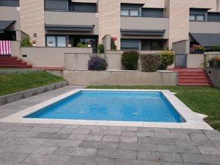 casa de 5 habitaciones con piscina, Torredembarra