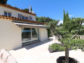 3 Bedrooms Villa near Cannes with pool & Jacuzzi