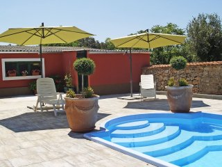 Luxury villa with swimming pool, sleeps 16, Ugljan Island