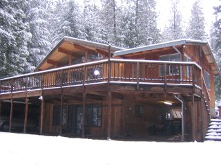 Luxury Cedar Cabin on 5 Acres, Pollock Pines