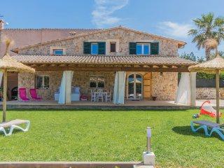 Precious little Villa in idyllic surroundings, Alcudia