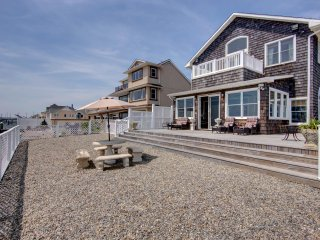 Stunning 3 Bedroom Bay Front Home, Seaside Heights