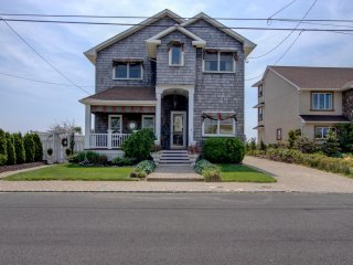 Stunning 6 Bedroom, 3 Bath, Bay Front Home, Seaside Heights