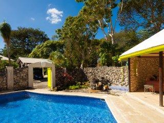 Villa with pool near beach - Beam Reach