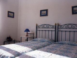 Agnadi Syros Rooms, Megas Gialos