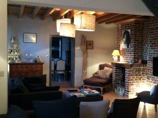 Longère dàns petit village paisible, La Neuville