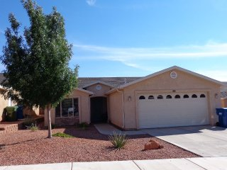 Oasis at Lake Powell / Secured Lot Boat Parking, Page