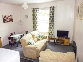 HARLEY APARTMENT, first floor apartment, ideal touring base, plenty to see and do, in Bishops Castle, 940775