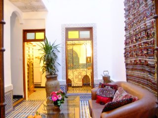 DAR SIENNA Fab artist's house in Fez sleeps 2-7, Fes