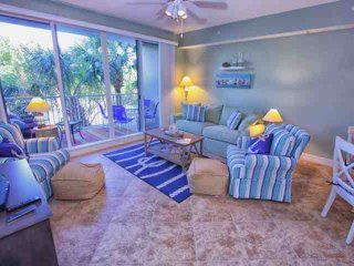 Love Water Views? Book Now!  Stunning Waterside Town Home In Little Harbor
