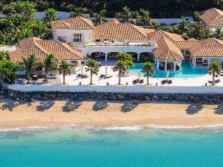 PETITE PLAGE IV...amazingly beautiful 4+ 1 BR  villa with private beach in Grand Case