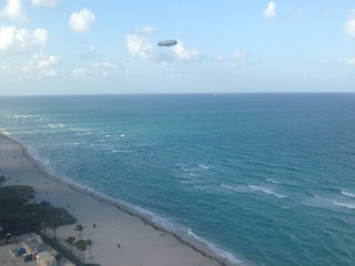 LUXURY 2 BEDROOMS 2 BATH BEACHFRONT CONDO, Sunny Isles Beach