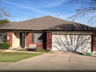 Scott's Huge House! Sleeps 10. Safe quiet culdesac, Round Rock
