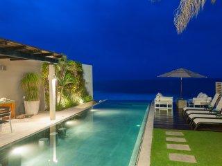 Villa Vidu, Contemporary Luxury on the Beach 3+3