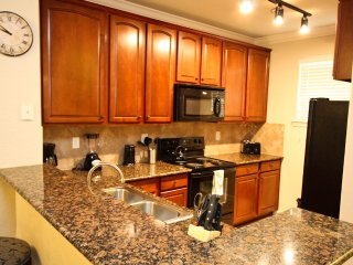 4 Bed 3 Bath With Balcony | Minutes to Disney!, Davenport