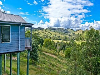 Silky Oak Lane Holiday Unit - Property 'For Sale'
