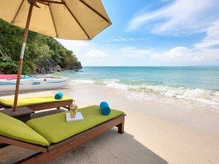 Lipa Noi 5180 -Luxury Beachfront with Chef Service