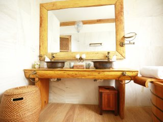 The Boathouse, Luxurious 3BR house with bath tubs, Hoi An