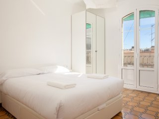 BARNAPARTMENTS GRACIA BASIC 6pax, Barcellona