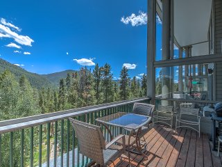Outstanding View-Hot Tub- Elevator-Quiet, Keystone