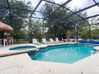 LUXURY 8br Villa, 3800+ sq ft, w/Private Pool, 4K TV, Home Theater; Near Disney