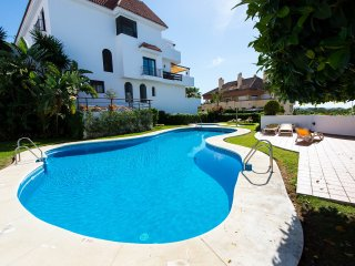 Marbella Golden Mile Apartment with Free Wifi