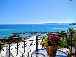 "Luxury House ""Casa del Mar"" with Sea View., Balchik"
